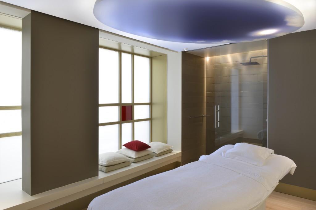 massage grossesse Clarins Skin Spa Neuilly