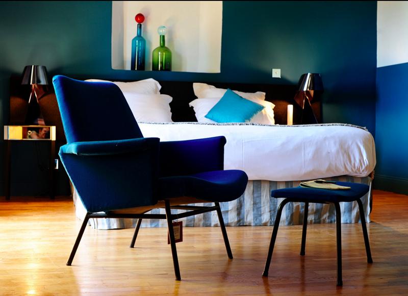 le hameau des baux village h tel hors normes et arty. Black Bedroom Furniture Sets. Home Design Ideas