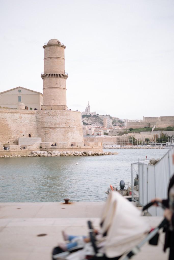 6_Marseille-June-and-Jane©Cedric-Dendoune-7