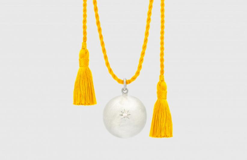 Bola Ilado avec cordon en soie