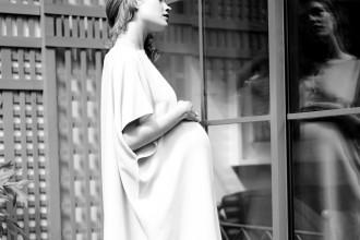 Natalie Vodianova pour Nine in the mirror