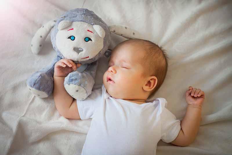 Ces accessoires qui aident votre bébé à faire ses nuits