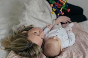 De 0 à 12 mois: comment apprendre à jouer avec un bébé ?