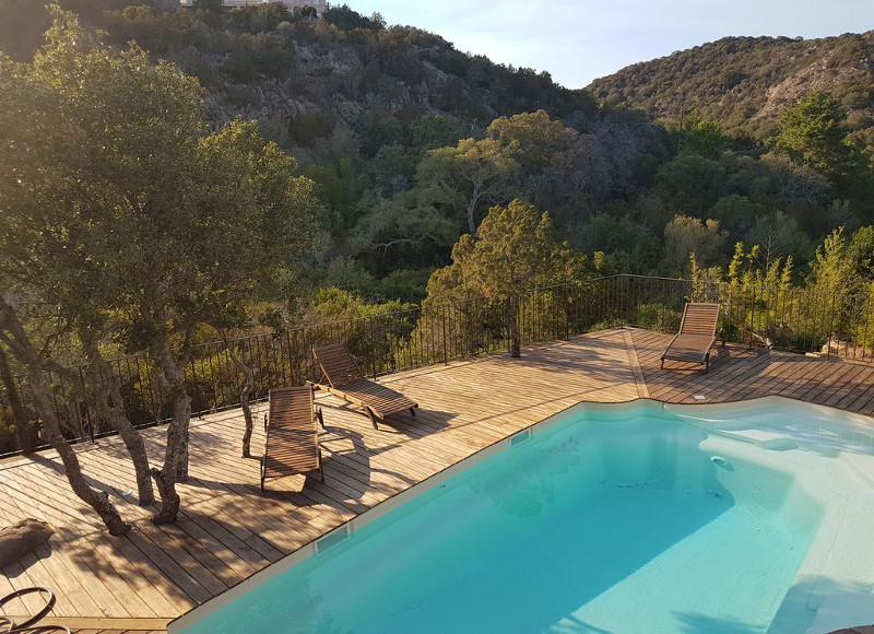 Corse espagne sud 5 maisons louer avec piscine pour for Amorce maison pour gardon