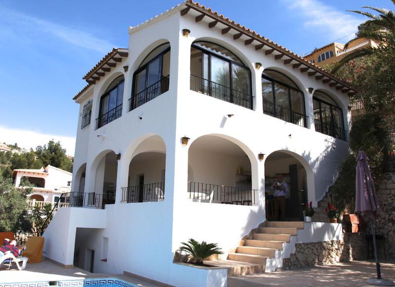Corse espagne sud 5 maisons louer avec piscine pour for Chauffe piscine au bois maison