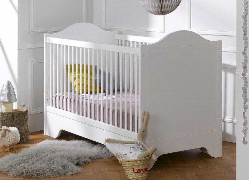 les louves women mothers. Black Bedroom Furniture Sets. Home Design Ideas