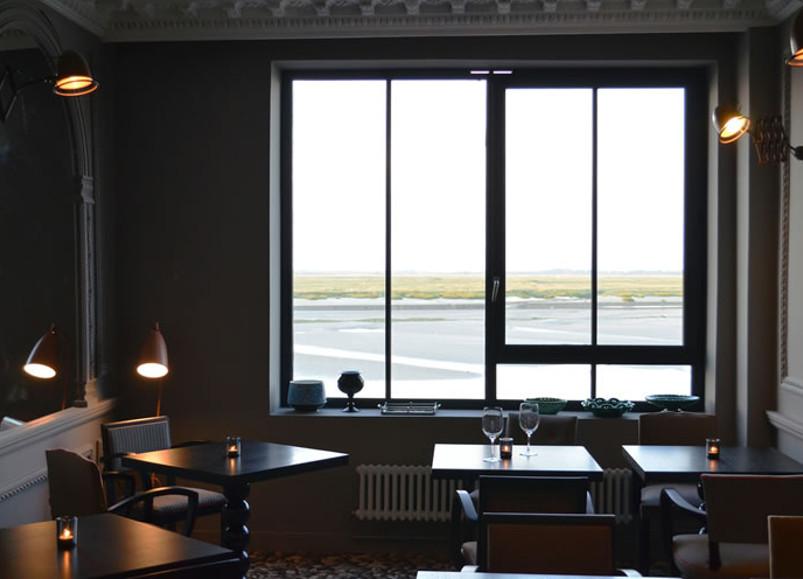 h tel les pilotes chambre avec vue sur la baie de somme les louves. Black Bedroom Furniture Sets. Home Design Ideas